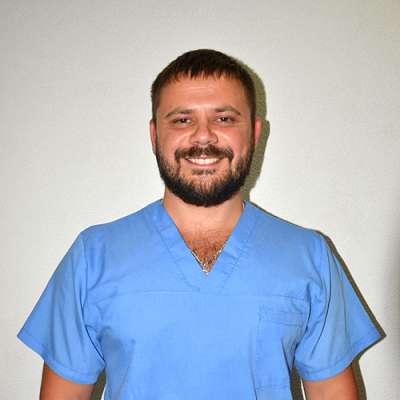 Spezialist für Delphintherapie Schwezov Jurij, Foto therapynemo.com