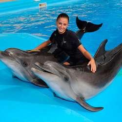 dolphin therapy specialist Olena Volodymyrivna Soloninkina, photo